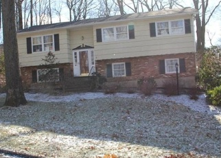 Foreclosed Home en ONDERDONK RD, Suffern, NY - 10901