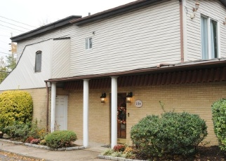 Foreclosed Home in CHESTNUT AVE, Staten Island, NY - 10305