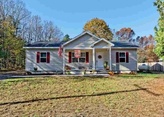 Foreclosed Home en DIVISION RD, Queensbury, NY - 12804