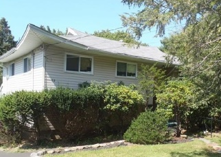 Foreclosed Home en JOAN LN, Monsey, NY - 10952