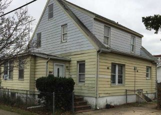 Foreclosed Home in BRAXTON ST, Uniondale, NY - 11553