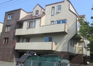 Casa en ejecución hipotecaria in Bridgeport, CT, 06610,  LIVINGSTON PL ID: P1042985