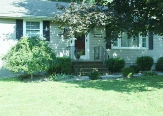 Foreclosed Home en HADDEN LN, East Syracuse, NY - 13057