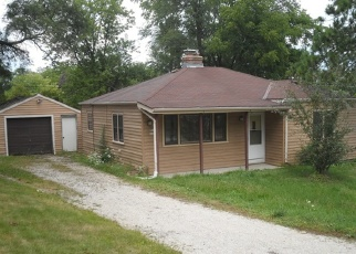 Foreclosed Home en PEAR TREE LN, Pewaukee, WI - 53072