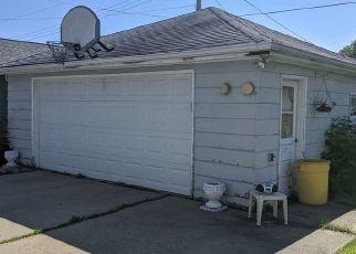 Foreclosed Home en GRACELAND DR, Oshkosh, WI - 54904