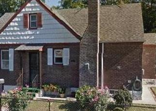 Foreclosed Home en BRINKERHOFF AVE, Saint Albans, NY - 11412