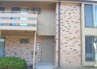 Foreclosed Home en N 72ND ST, Milwaukee, WI - 53223