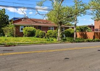 Foreclosed Home en 164TH AVE, Howard Beach, NY - 11414