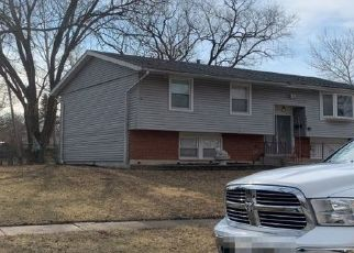 Foreclosed Home en TULIP DR, Hazel Crest, IL - 60429