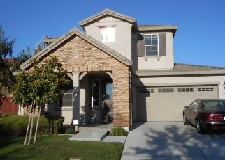Foreclosed Home en TOPIARY DR, Manteca, CA - 95337