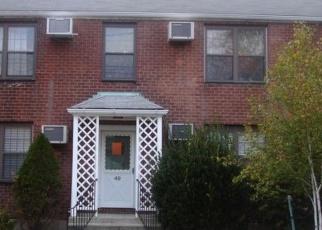Foreclosed Home en MENCEL CIR, Bridgeport, CT - 06610
