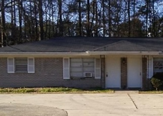 Foreclosed Home en OLD POWDER SPRINGS RD SW, Mableton, GA - 30126