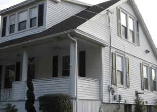 Foreclosed Home en N COLONY RD, Meriden, CT - 06450