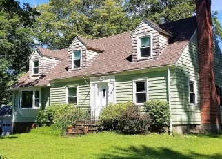 Foreclosed Home en PLEASANT VALLEY RD, South Windsor, CT - 06074