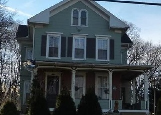 Foreclosed Home en BERLIN AVE, Southington, CT - 06489