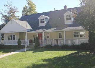 Foreclosed Home en MARGARET KEAHON DR, Pearl River, NY - 10965