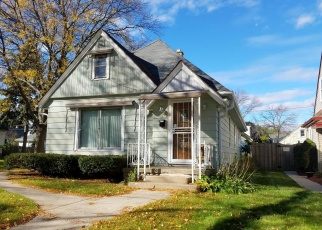 Foreclosed Home en N 55TH ST, Milwaukee, WI - 53216