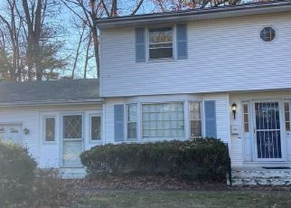 Foreclosed Home in NORTHFIELD DR, East Hartford, CT - 06118