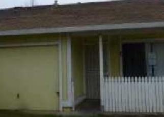 Foreclosed Home en LOCKBORNE DR, Sacramento, CA - 95823
