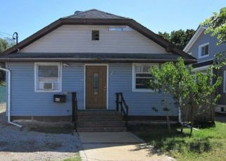 Foreclosed Home en MANSFIELD AVE, Roosevelt, NY - 11575