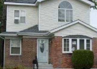 Casa en ejecución hipotecaria in Queens Village, NY, 11429,  108TH AVE ID: P1049393