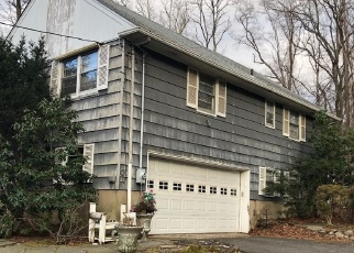 Foreclosed Home en COLLEGE RD, Monsey, NY - 10952