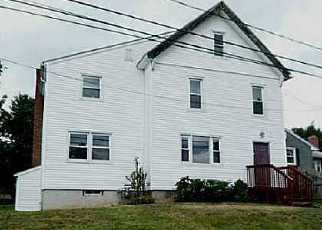 Foreclosed Home en SUMMIT ST, Newington, CT - 06111