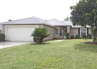 Foreclosed Home en BIG STONE DR, Jacksonville, FL - 32244