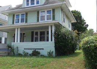 Foreclosed Home en EDNA AVE, Bridgeport, CT - 06610