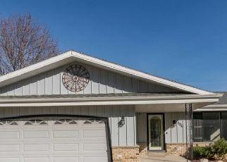 Foreclosed Home en CABRINI CIR, West Bend, WI - 53095