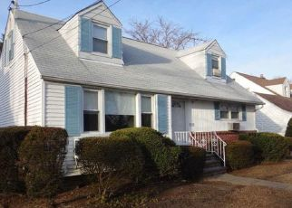 Foreclosed Home in CAMBRIA ST, Uniondale, NY - 11553