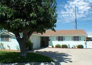Foreclosed Home en LARKSPUR LN, Ceres, CA - 95307