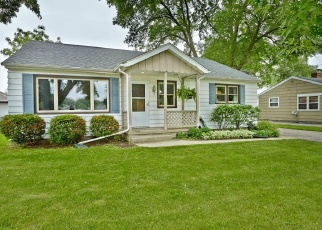 Casa en ejecución hipotecaria in Oconomowoc, WI, 53066,  S SILVER LAKE ST ID: P1050641