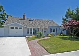 Foreclosed Home in BERKSHIRE RD, Bethpage, NY - 11714