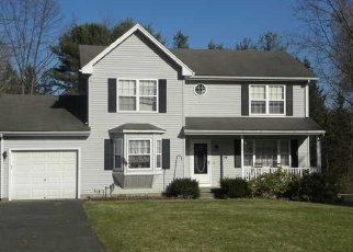 Foreclosed Home en CASTLEWOOD, Windsor, CT - 06095