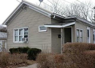 Foreclosed Home en JOHN ST, Syracuse, NY - 13208