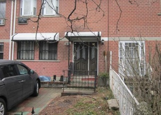Foreclosed Home en E 169TH ST, Bronx, NY - 10456
