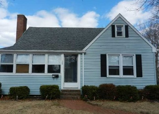 Foreclosed Home en STODDARD AVE, Newington, CT - 06111