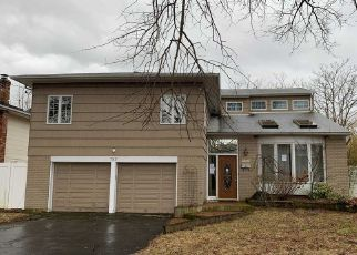 Foreclosed Home en MARILYN LN, Baldwin, NY - 11510