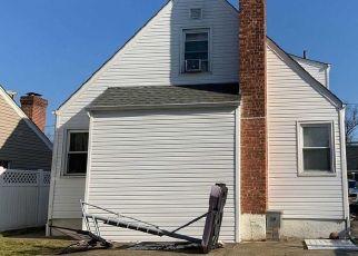 Casa en ejecución hipotecaria in Hempstead, NY, 11550,  FAIRVIEW BLVD ID: P1051804