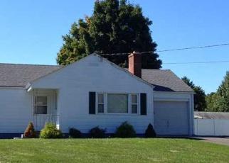 Foreclosed Home en SOUTHWEST AVE, Windsor Locks, CT - 06096