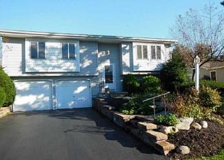 Foreclosed Home en YOSEMITE CIR, West Henrietta, NY - 14586