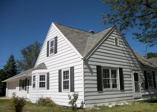 Casa en ejecución hipotecaria in West Bend, WI, 53090,  MONROE ST ID: P1052929