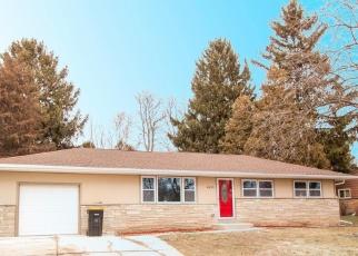 Foreclosed Home en W CALUMET RD, Milwaukee, WI - 53223