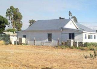 Foreclosed Home en LIVE OAK AVE, Fontana, CA - 92335