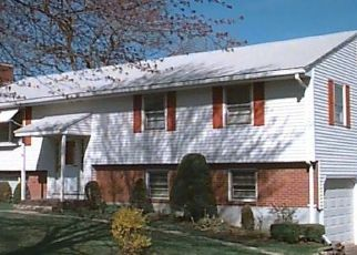 Foreclosed Home in POQUONOCK AVE, Windsor, CT - 06095