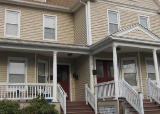 Foreclosed Home en COTTAGE AVE, Ansonia, CT - 06401