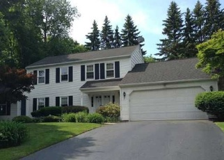 Foreclosed Home en BRIAR WAY, Fairport, NY - 14450