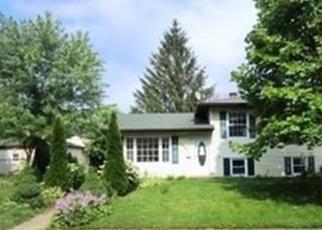 Casa en ejecución hipotecaria in Hanover Park, IL, 60133,  CHURCH ST ID: P1053595