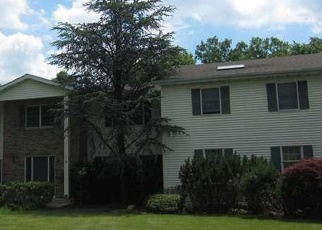 Foreclosed Home en HILLEL CT, Monsey, NY - 10952